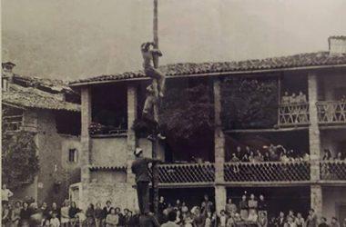 1951, l'albero della cuccagna Colzate