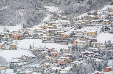 Barzizza con la neve frazione di Gandino