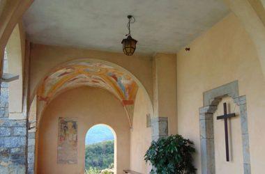 Bedulita BG Porticato chiesa