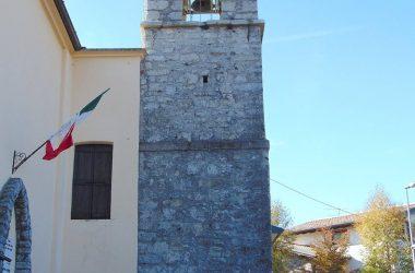 Campanile La chiesa parrocchiale di santa Maria Assunta Aviatico