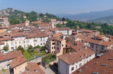 Città alta dalla Torre Civica Campanone Bergamo Alta
