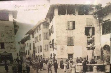 Gandino Piazza Comunale e Via Mirandola anni 1915