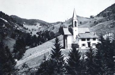 Gandino chiesetta valpiana 1960