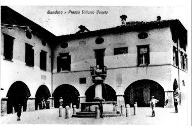 Immagine storica Piazza Gandino