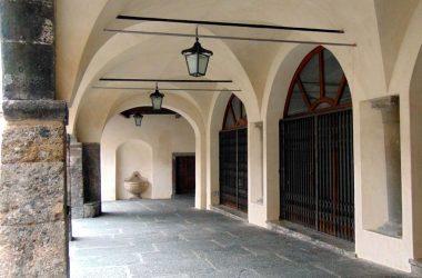 Immagini borgo di chiesa del Paradiso Clusone
