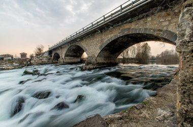 Immagini del fiume da calcio bg