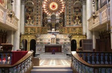 Interno chiesa di San Giovanni Bianco
