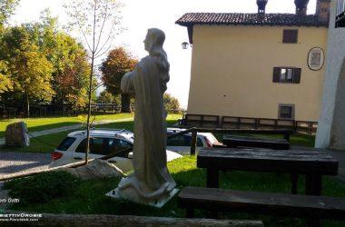 La statua della Madonna Oneta