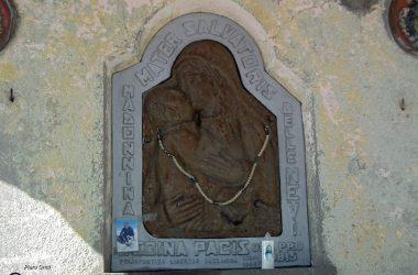 Madonna delle nevi nella cappelletta al Monte Poieto