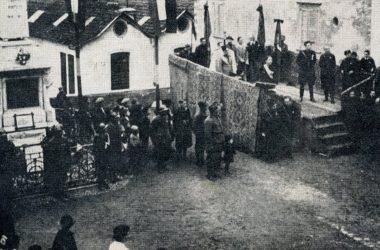 Manifestazione fascista nei pressi dell'attuale monumento ai caduti Leffe