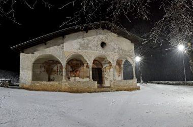 Santuario Casnigo con la Neve