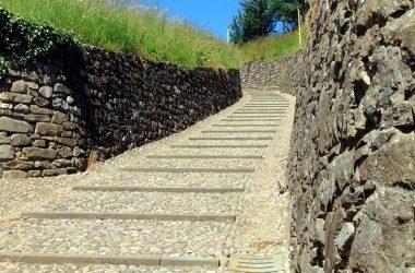 Scalinata di 500 gradini Santuario della Madonna del Castello Ambivere