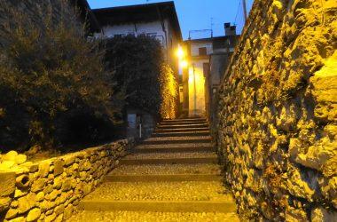 Scalinata di sera Almenno San Bartolomeo