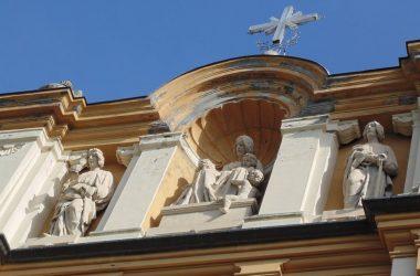 Statue Chiesa Gaverina Terme