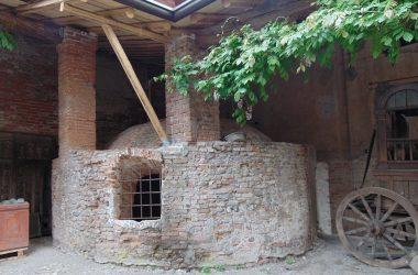 Torre pallavicina - Bergamo -Nel parco del palazzo ANTICA GHIACCIAIA