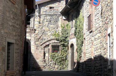 Valbrembo BG frazione Ossanesga borgo