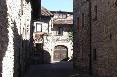 Valbrembo -Bergamo - Ossanesga piccolo Borgo