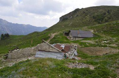 baita alta Rigada m.1800 con la stalla crollata
