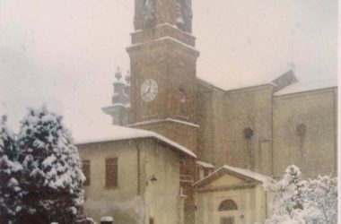 Campanile di Casirate d'Adda con la neve