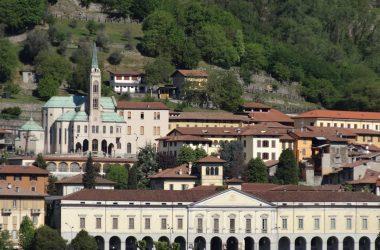 Accademia Tadini Lovere, Palazzo Tadini e Santuario delle Sante Capitanio e Gerosa Lovere