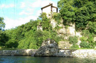 Almenno San Salvatore riva al brembo