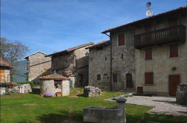 Borgo di Cavaglia Val Brembilla Bg