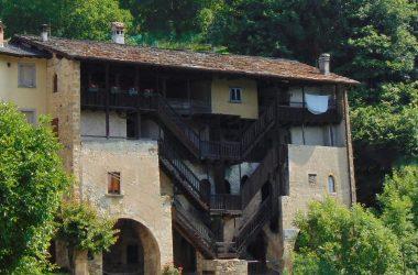 Borgo di Redivo vecchia dogana veneta - Averara