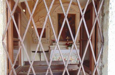 CAPPELLA dedicata ai santi Filippo Neri e Francesco da Paola a Fuipiano Valle Imagna