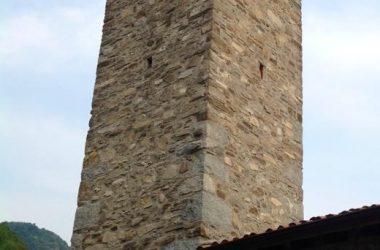 Campanile della chiesa di San Defendente (frazione di Favirano, Torre De Busi)