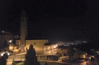 Chiesa Orezzo di notte Gazzaniga