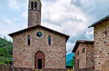 Chiesa dei Santi Cornelio e Cipriano, nel borgo di Cornello