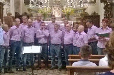 Coro nella chiesa di Moio de Calvi