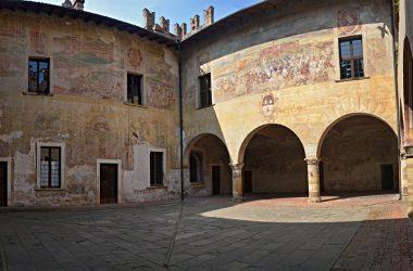 Cortile interno Castello di Malpaga Cavernago