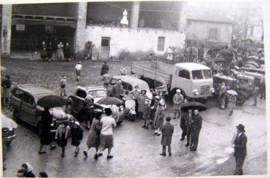 Curno anni 50 La tradizionale benedizione degli automezzi
