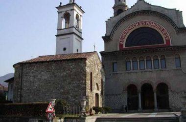 Facciata della parrocchiale e al fianco chiesa di S. Zenone