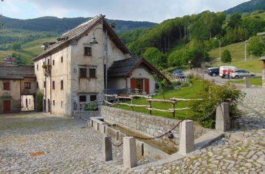 Fotografie Antico Borgo di Arnosto a Fuipiano