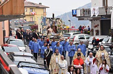 Fotografie Processione della Madonna Addolorata di Dossena