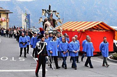 Immagini Processione della Madonna Addolorata di Dossena