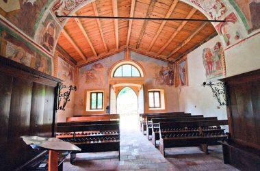 Interno Chiesa Ludovico di Tolosa – Camerata Cornello