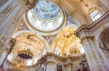 Interno chiesa Bergamo