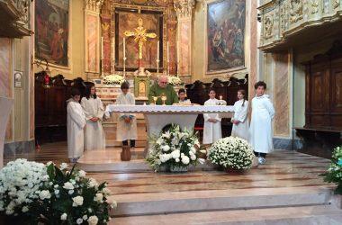 Interno chiesa Berzo San Fermo