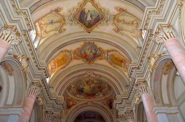 Interno chiesa Parzanica