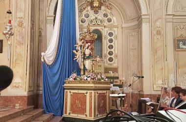 Interno chiesa Piazzolo