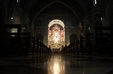Interno chiesa Terno d'Isola