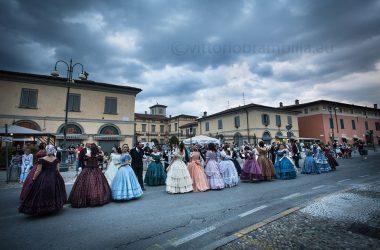 La Società di Danza Bergamasca in piazza a Stezzano