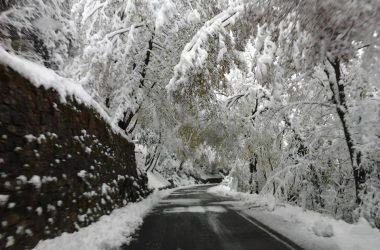 La strada che scende da Fuipiano in Valle Imagna