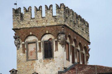 La torre del Castello di Costa di Mezzate