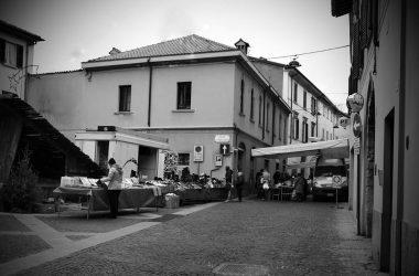 Mercatino Piazza Monumento Caprino Bergamasco