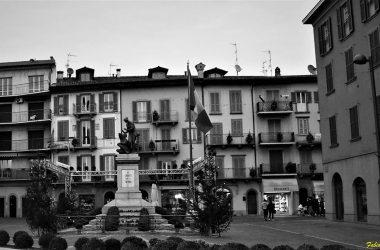 Monumento a Sarnico