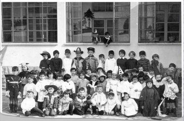 Orio al Serio. febbraio 1966 mascherine alla scuola dell'infanzia